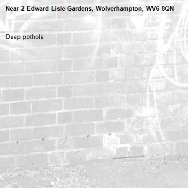 Deep pothole -2 Edward Lisle Gardens, Wolverhampton, WV6 8QN